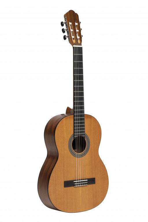 Stagg 4/4 klassieke gitaar met ceder top,naturel